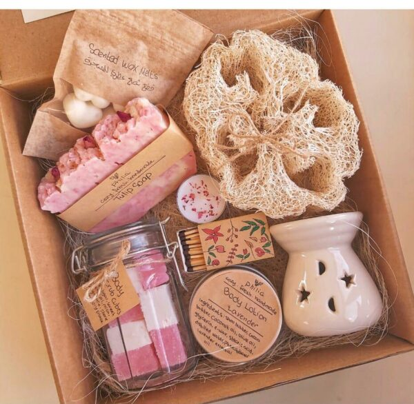 send gifts,balloons , cake , Beauty Pink package , flowers to Amman zarqa irbid online