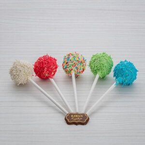 Cake Pop -Cake paste rich in jam and dipped in chocolate of various colors.