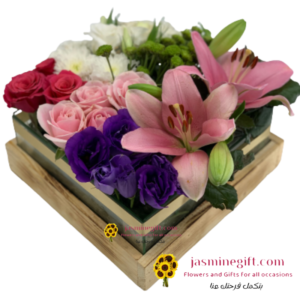 Luxurious flowers in glass a box gifts amman online
