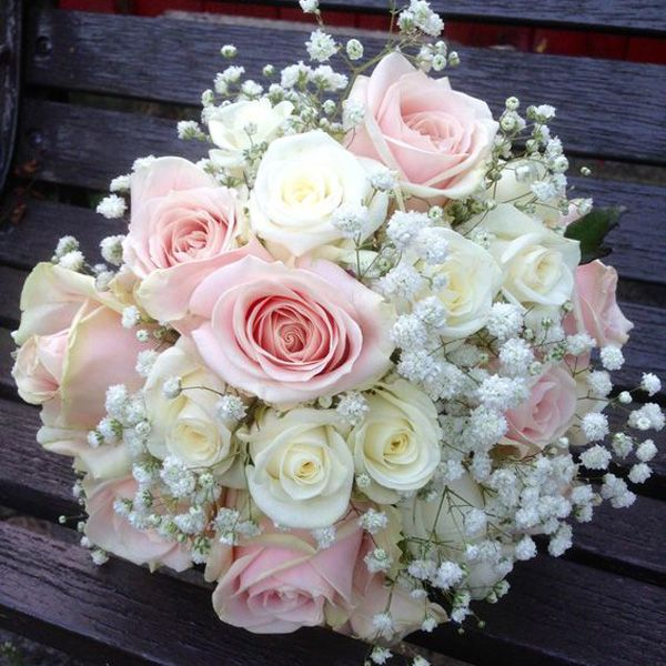 Pink and White Roses bouqate